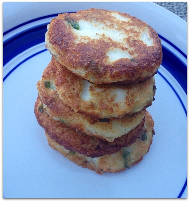 parmesan cakes mashed potato cakes with scallions and parmesan cheese ...